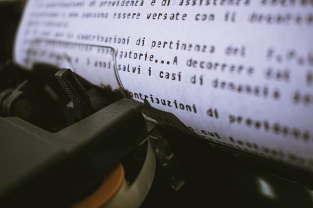 psací stroj, papír