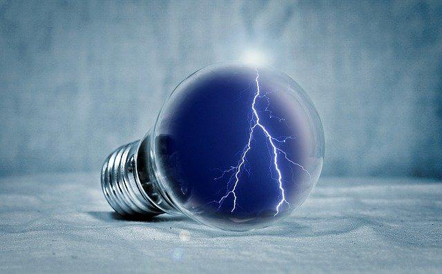 bouře v žárovce